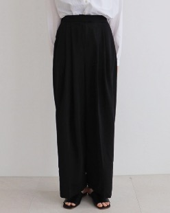Silky slacks, black